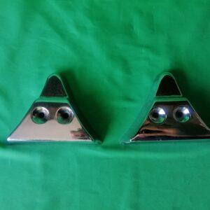 Треугольники нижних молдингов хром Газ 21 22 23 3 серии - AUTOKARMAN